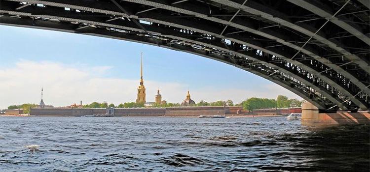 Экскурсии по Санкт-Петербургу на теплоходе